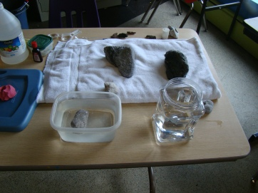 Wonder Works - Make Volcanoes - 8/14/2015 - Volcanic rocks